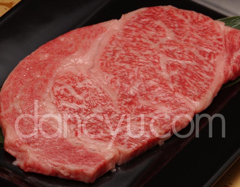 山勇畜産 『こだわり飛騨古川産飛騨牛』5等級リブロースステーキ 約200gの写真