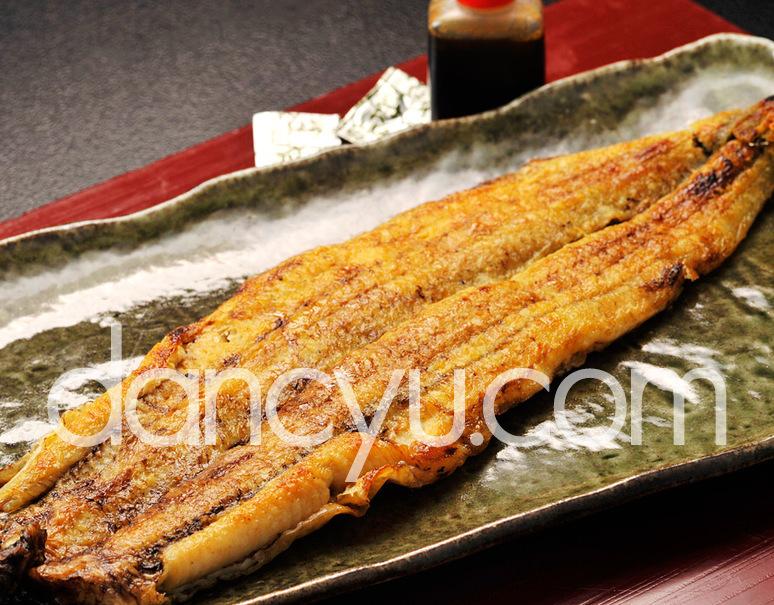《国産養殖》 うなぎ 白焼き 190g前後(たれ、粉山椒つき) ※冷蔵の写真