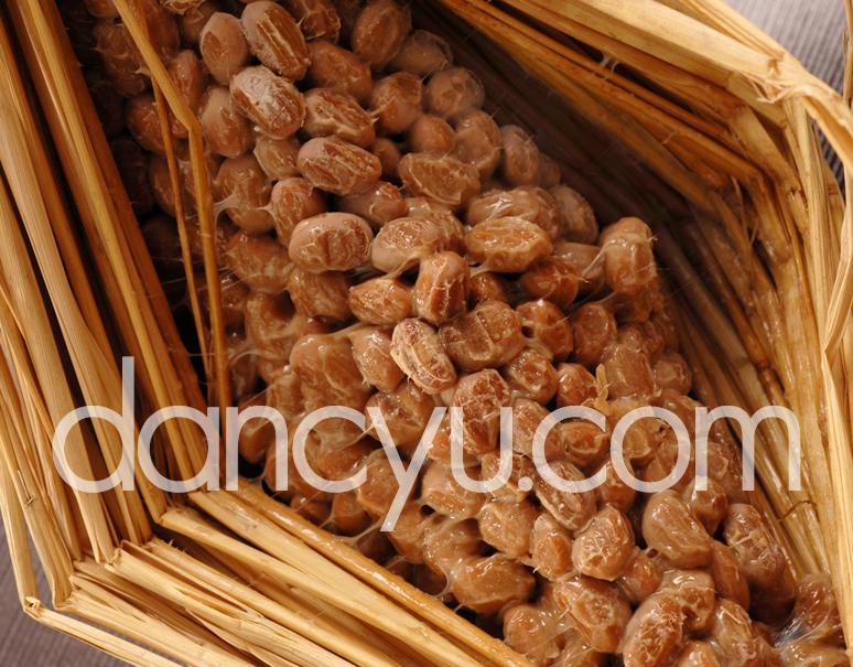 天然わら納豆 「大天元」 300g×1本の写真