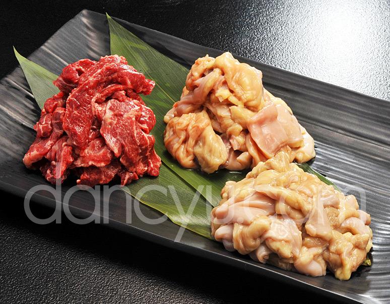 【熊本県肥育馬肉】まるよし「馬ホルモン焼肉セット」 馬バラヒモ・ホルモン・上ホルモン 各約200g ※冷蔵の写真