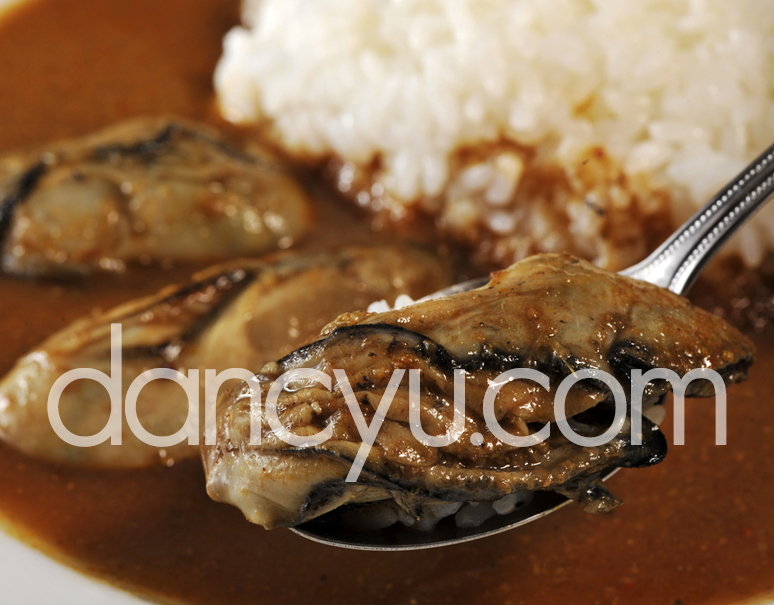 宮城 唐桑の畠山さんの牡蠣を使用! 極上かきカリー(一人前 220g) ※冷凍の写真