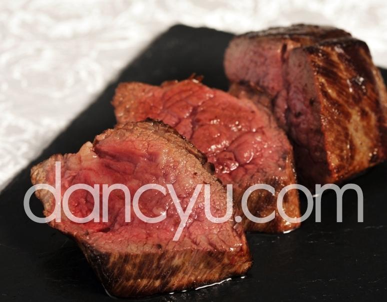 門崎熟成肉 特上赤身 150g前後×2 ※冷凍の写真