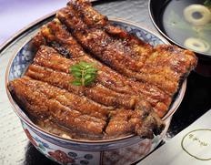 田舎庵の技術で香ばしく焼き上げる「天然鰻の蒲焼き」